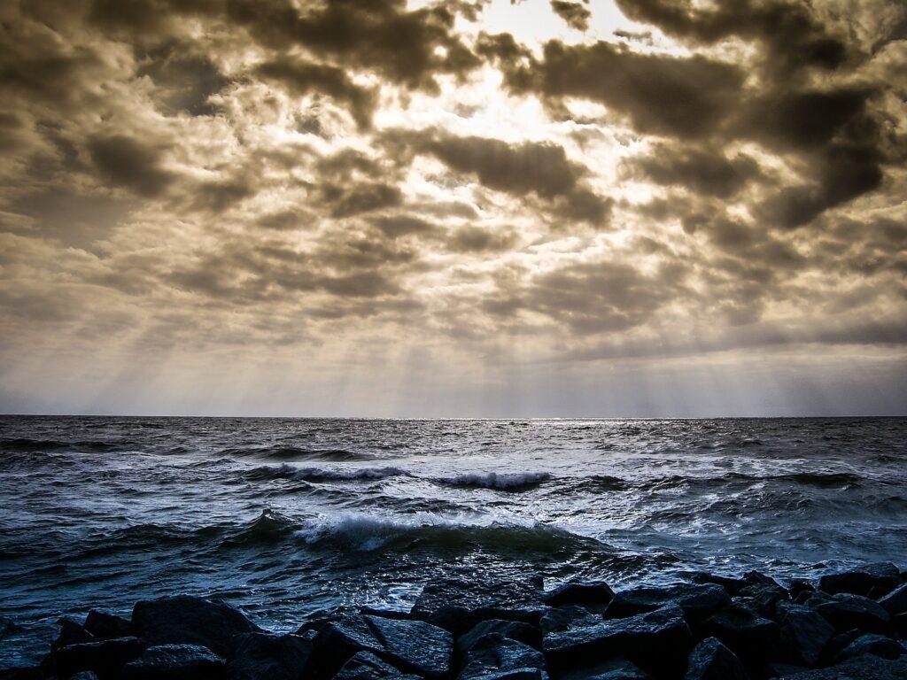 oceani, Giù in profondità: gli abissi
