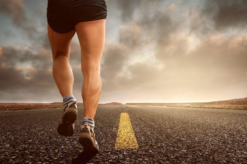 , Microrganismi e corsa: come un probiotico multi-ceppo migliora la composizione corporea nei corridori